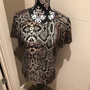 Trendy Vero Moda snake print blouse
